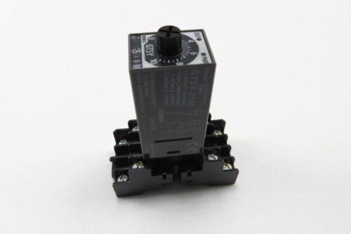 Idec GT5Y-2SN Electronic Timer w// IDEC SM2S-05B Socket