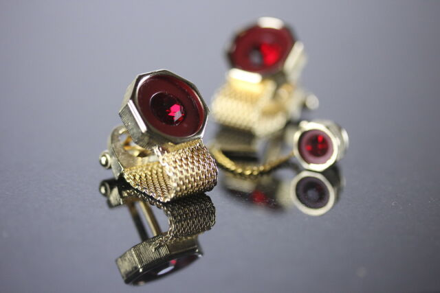 Baskin Red Faux Gem Mesh Cufflinks & Tie Tack Boxed Set Wrap Around Mens Jewelry