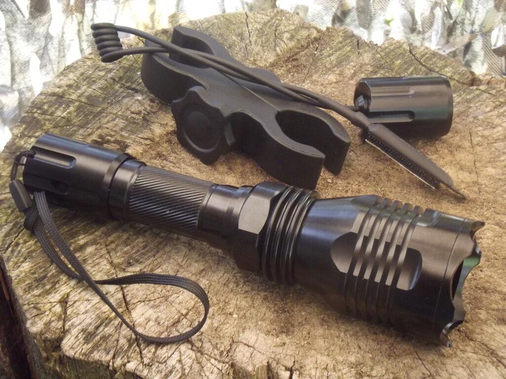 260 lúmenes caza linterna con luz verde, cable interruptor, montaje universal,  nuevo