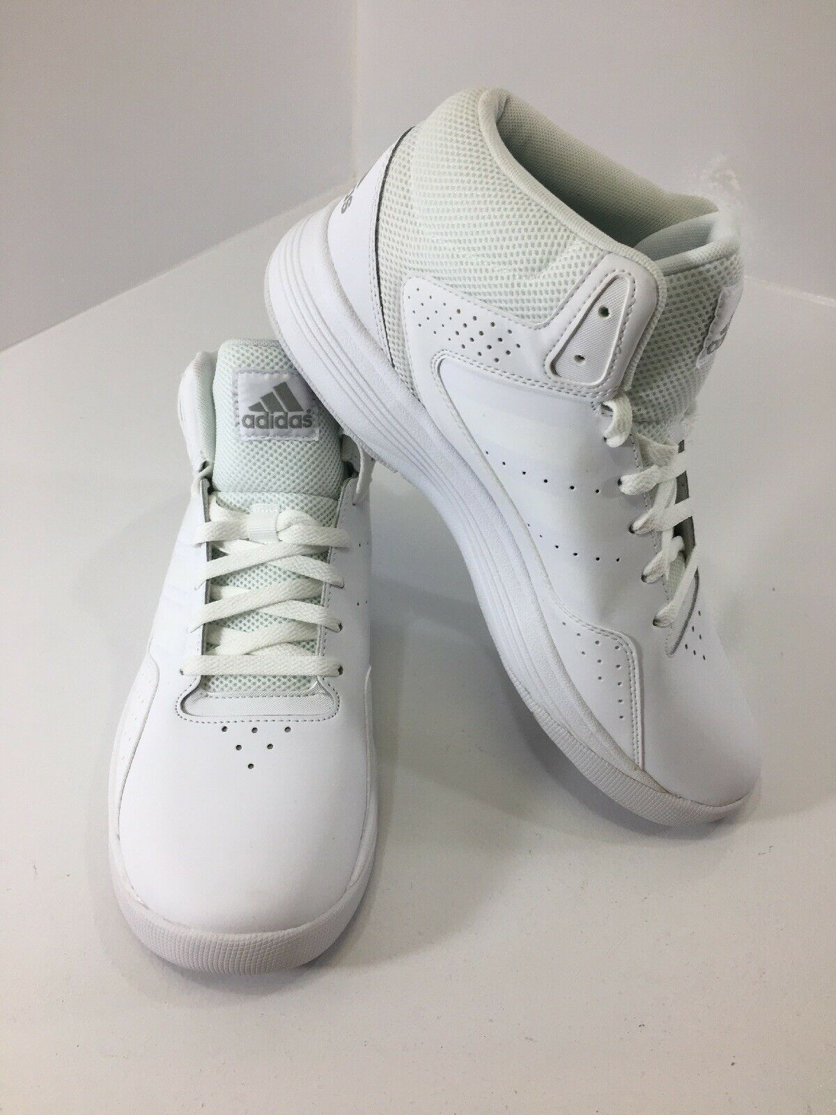 Adidas Men's Performance Mid Top Cloudfoam Ilation Sneakers White US 11 NEW @