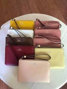 Authentic-Coach-F58032-Signature-PVC-Leather-Corner-Zip-Wristlet-Wallet