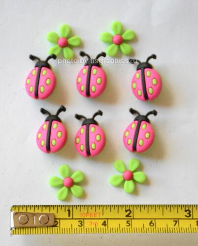 Ladybug Crossing Ladybug /&  Green Flowers Dress It Up Buttons Jesse James