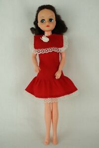 Otto-Simon-FLEUR-brunette-doll-in-red-dress-outfit-Dutch-Sindy-80-039-s