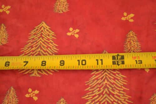 """44/"""" Wide Gold Christmas Trees on Marbled Red Quilting Cotton By 1//2 Yd M1740"""