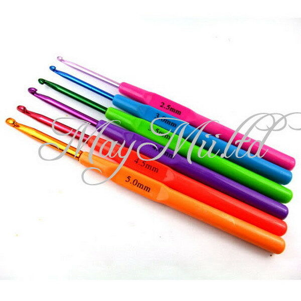 6 Sizes Aluminum Plastic Handle Crochet Hooks Knitting Yarn Needles Set 2.5-5mm