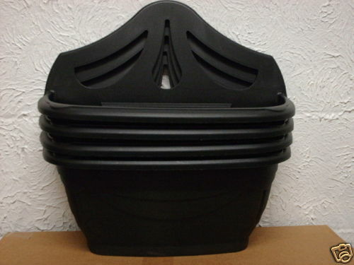 Whitefurze Venetian Style Black Plastic Wall or Fence Planter 42cm Wide NEW