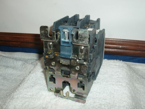 Telemecanique Schneider Contactor LC1 D80 with LADN20 /& LX1D6F7 Coil!