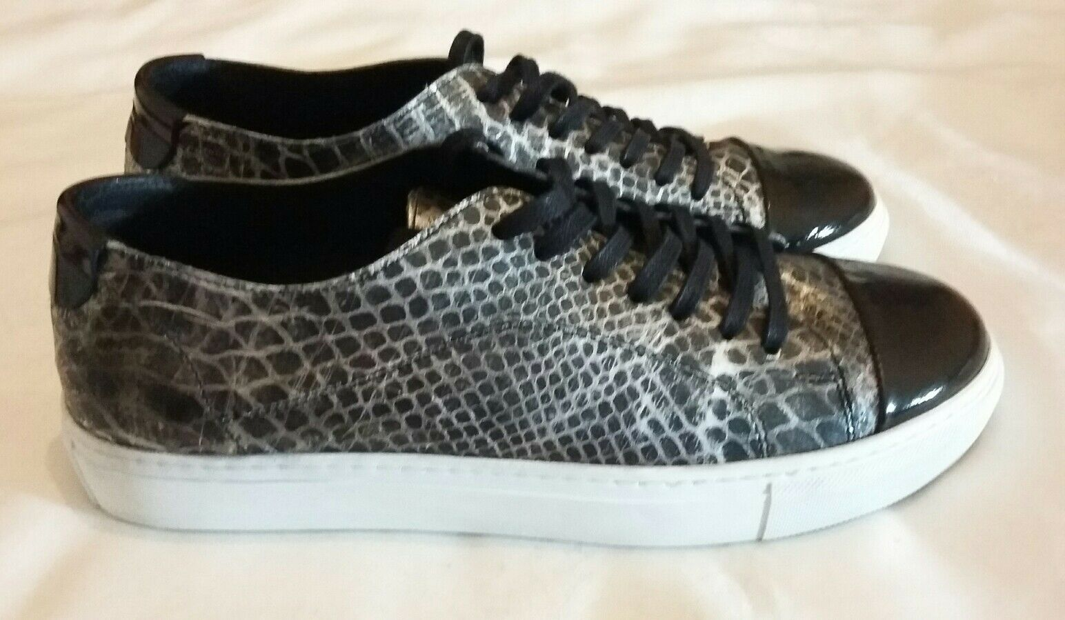 GARMENT PROJECT Classic Lace-up Snake Print Leather Sneakers Black  uk 7 eu 40
