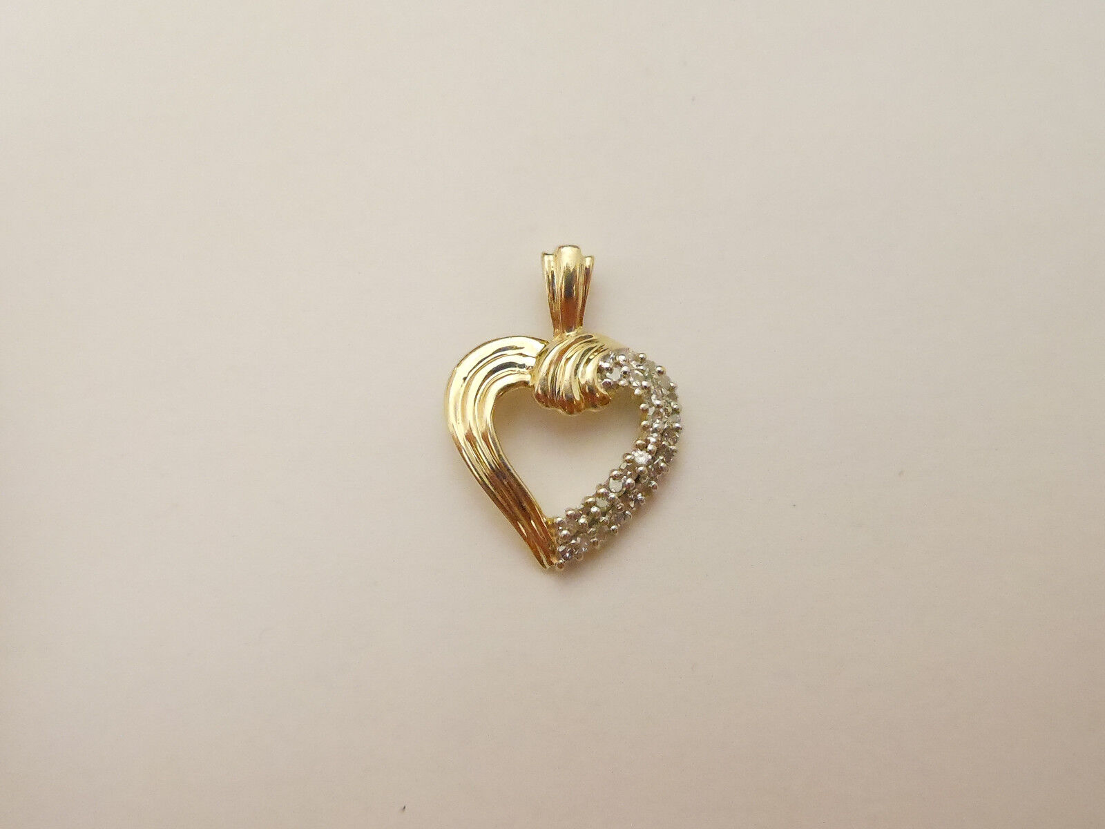 14k Yellow gold Designer Diamond Heart Pendant By Rosy bluee Signed ZEI   .