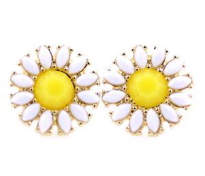 White-daisy-sunflower-flower-stud-earrings-50-60-039-s-retro