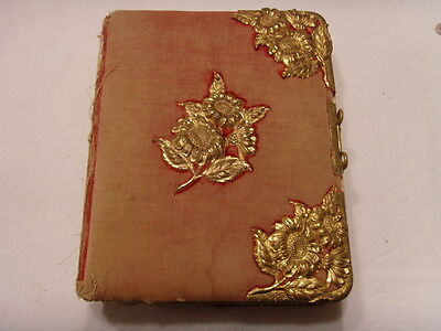 1800S ANTIQUE DECORATIVE VICTORIAN FAMILY 26 PHOTO ALBUM VELVET GOLD TONE 46146
