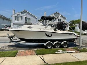 1994 Mako 263 Hull , 30' with 10' beam ready for power