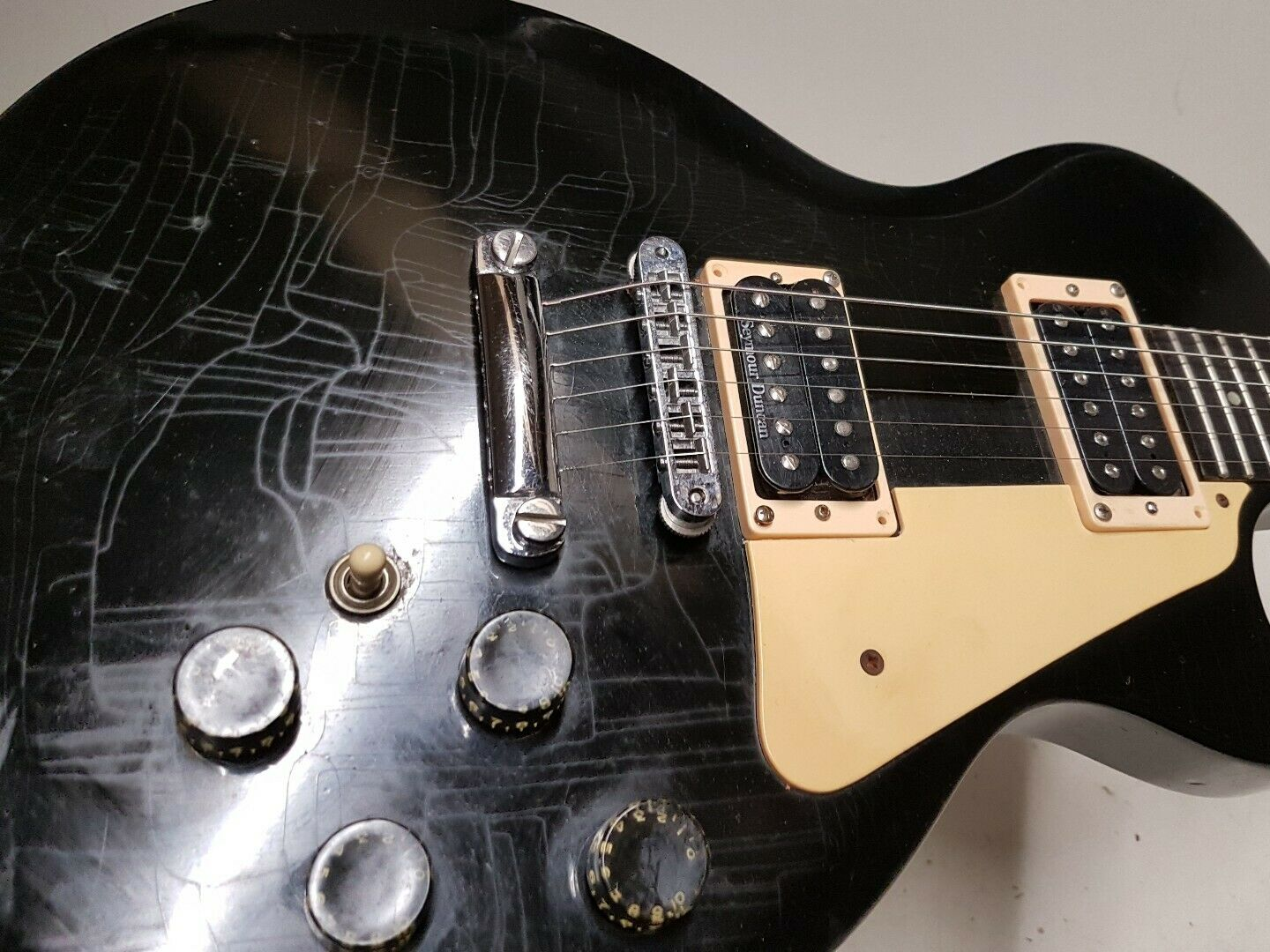 1983 GIBSON LES PAUL - MADE in USA - EBONY FINGERBOARD