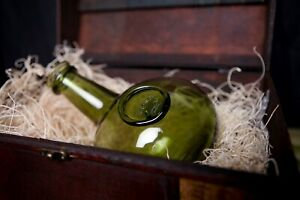 HMS BOUNTY Onion Bottle found & story in the bottle boxed in wooden crate