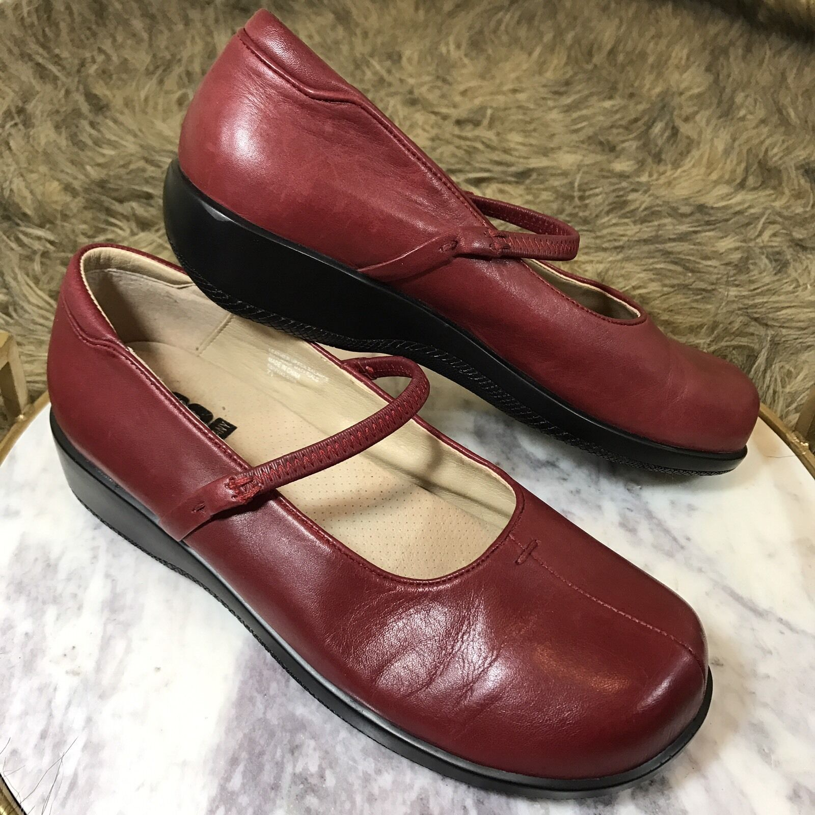 KB & Company Women's Leather Sz 7.5 M Red Leather Women's Mary Jane Career Comfort Loafers Flats 13ab05