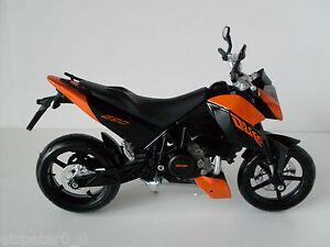 KTM-690-Duke-3-Maisto-Moto-Modelo1-12-EMB-ORIG-Nuevo