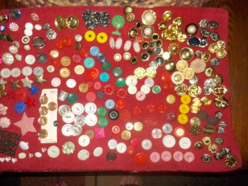 VINTAGE BUTTONS OVER 300 - image 1
