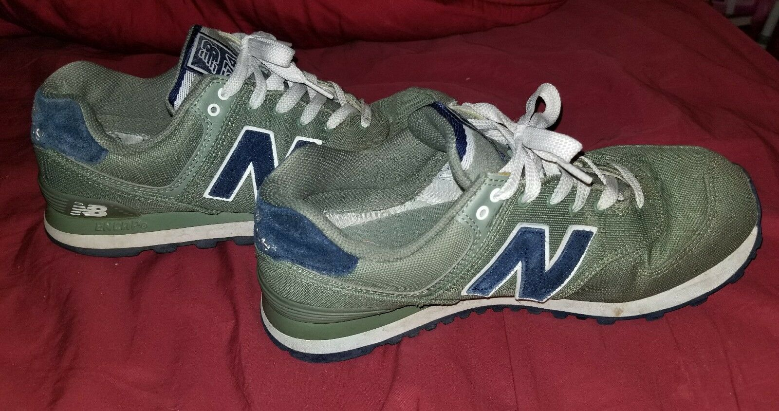 Men's New Balance 574s Olive Green  Navy bluee Size 8.5M EUC FREE SHIPPING