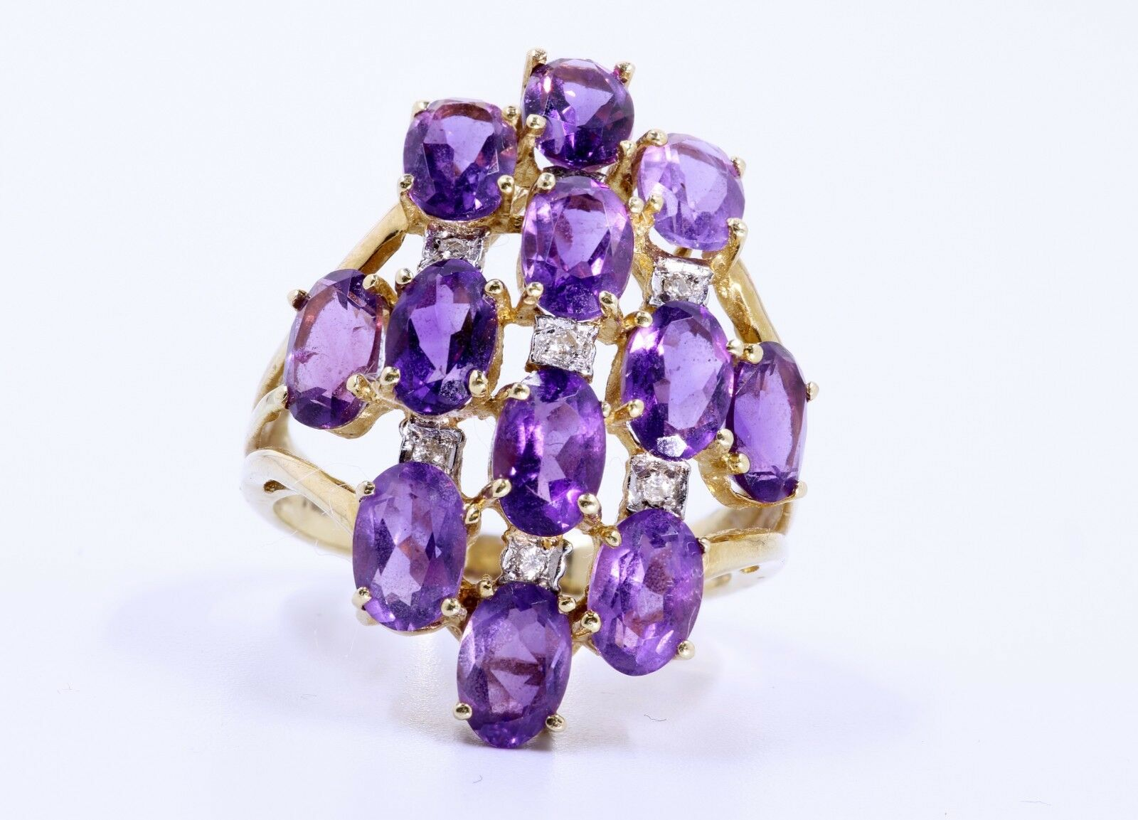 Amethyst and Diamond 14 Kt Yellow gold Ring
