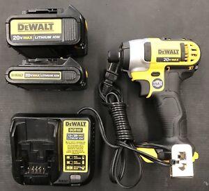 DEWALT 20V MAX 1.5 Ah Cordless Li-Ion 1//4 in Impact Driver Kit DCF885C1 New