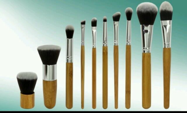 New Assorted 9 Piece Mixed Paint Brush Set for Artists Natural Hog Nylon