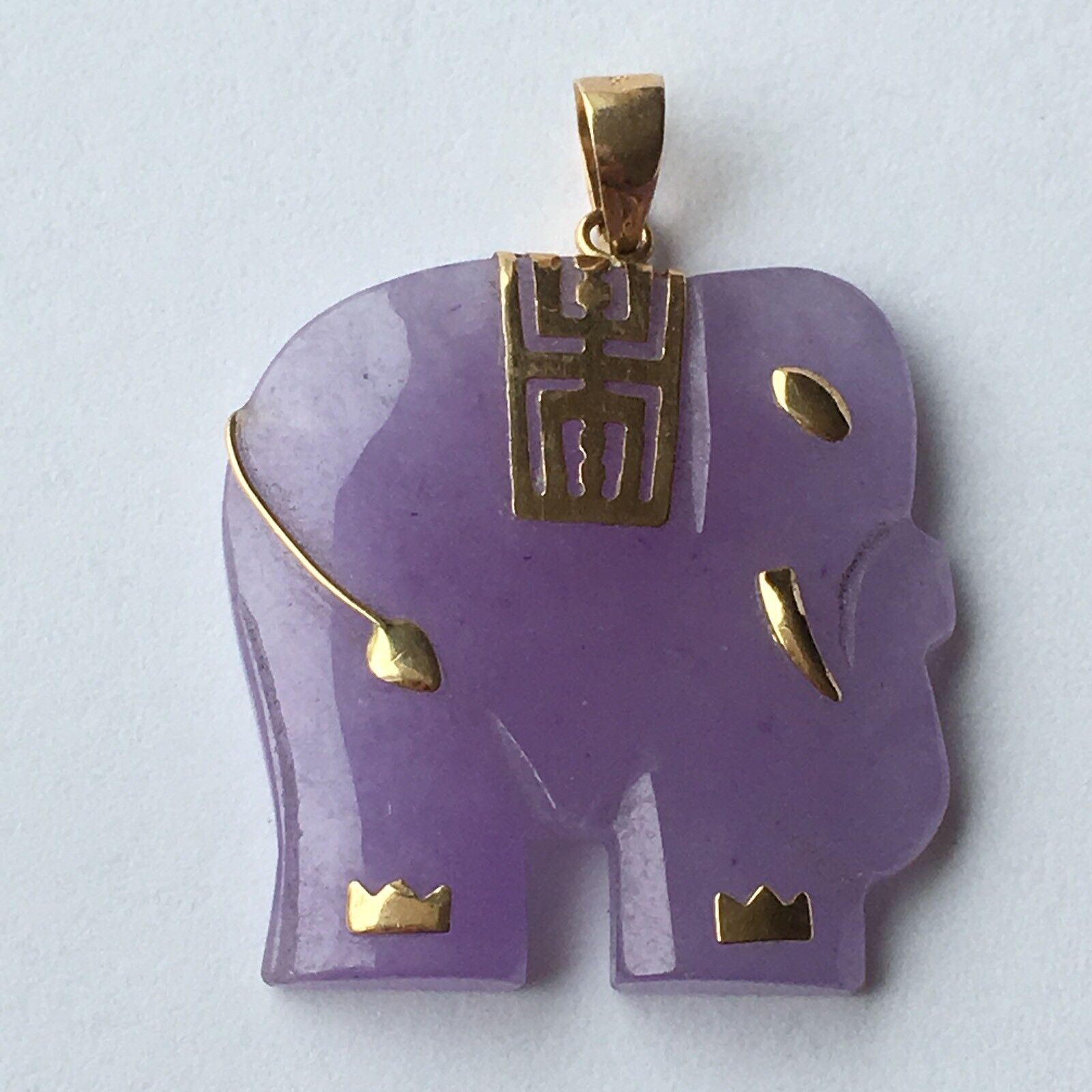 Q12502, New 14k Solid Yellow gold Y G Lavender Jade Pendant, Elephant, 1 Inch