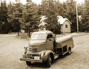 1941-US-Forest-Service-Fire-Truck-Oregon-Vintage-Old-Photo-8-5-034-x-11-034-Reprint