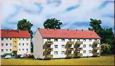 Auhagen N 14472: Mehrfamilienhaus