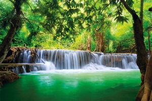 Paradies-Fototapete-Wasserfall-im-Wald-Dschungel-Fluss-Thailand-XXL-Wanddeko