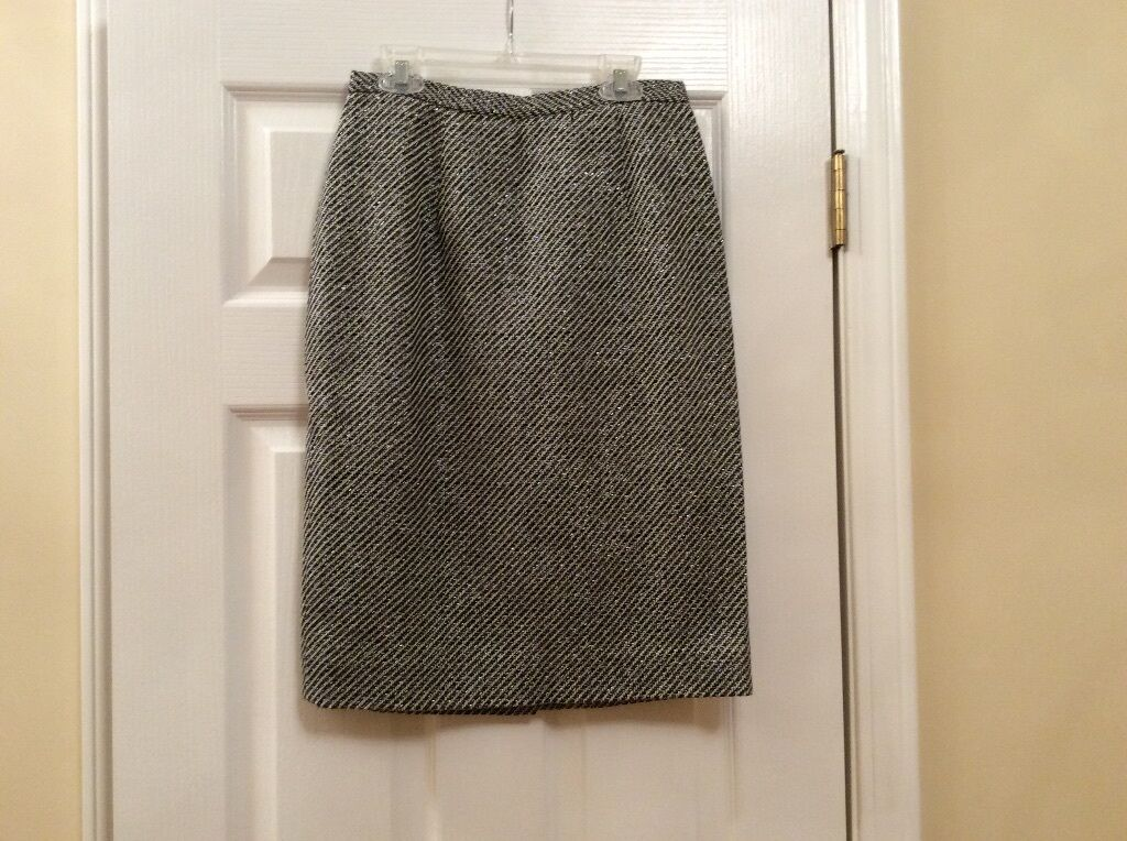 New Kathlyn Dianos straight skirt size 4