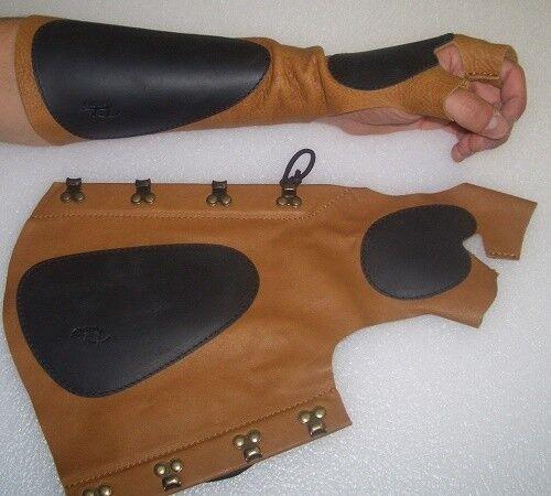ARM combinatoire 1 S main gauche détient la arc avec l'Arc de gants parabracci