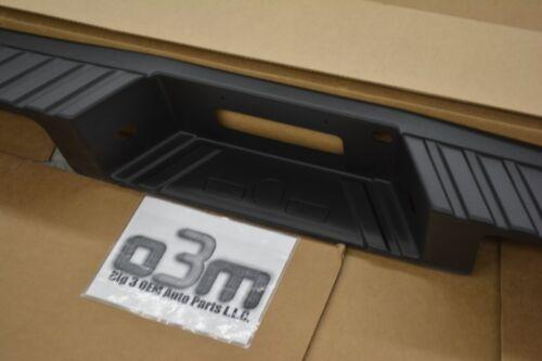 05-08 Ford F-150 StyleSide Rear Bumper Step Pad w//o Backup Sensor w// Tow Pkg OEM