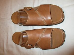 Clarks-31217-sandals-shoes-tan-leather-size-8-M-USED-EUC