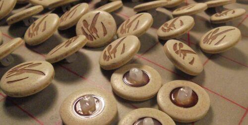 "12 Vintage Italian Shank Buttons Biege Cattail Design 19mm  3//4/"""