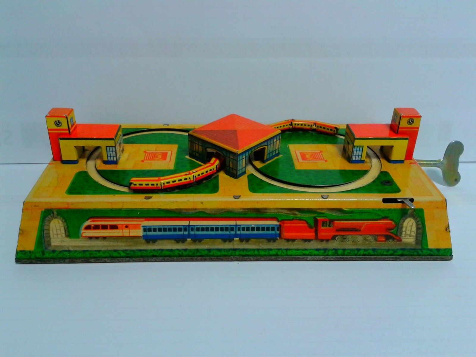 Russian Vintage tinplate wind up railway in perfect working condition 24 x 12 cm