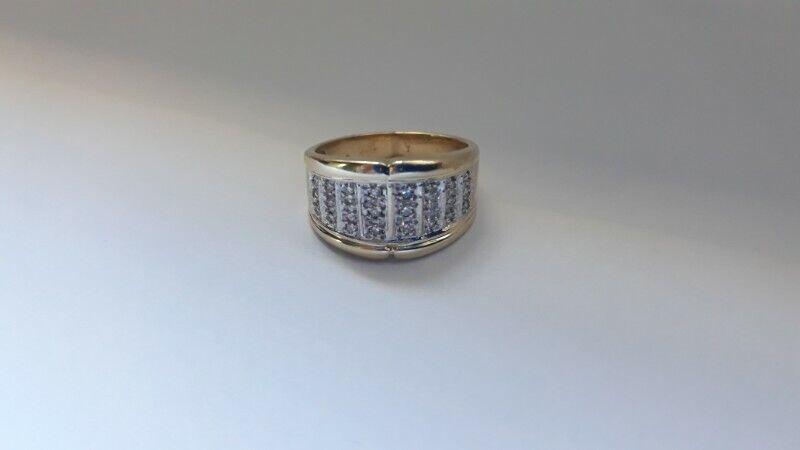 A139 9k Gold Pave Diamond Ring