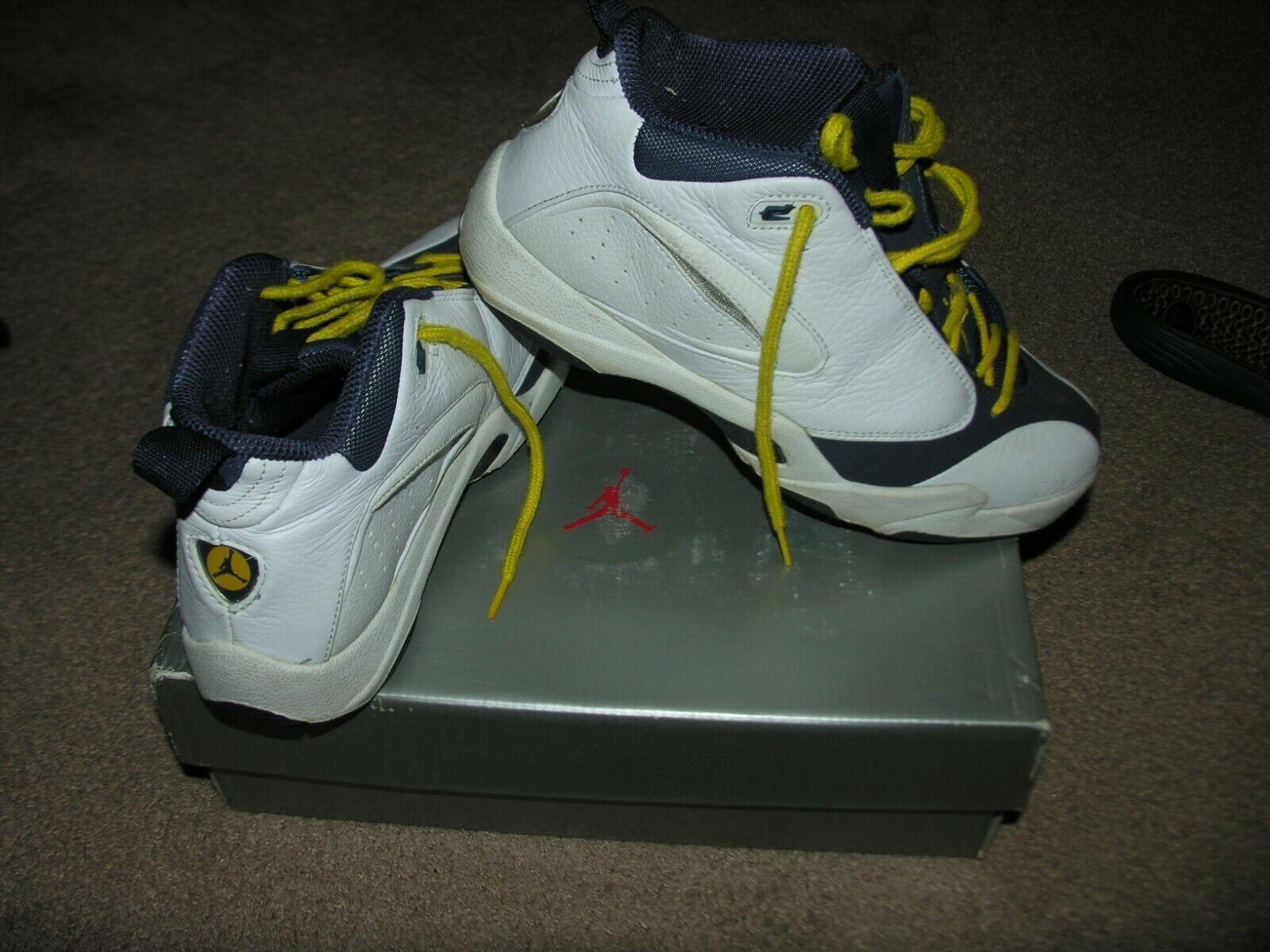 Jumpman quick 6 1998 size 7.5 bluee white yellow original box