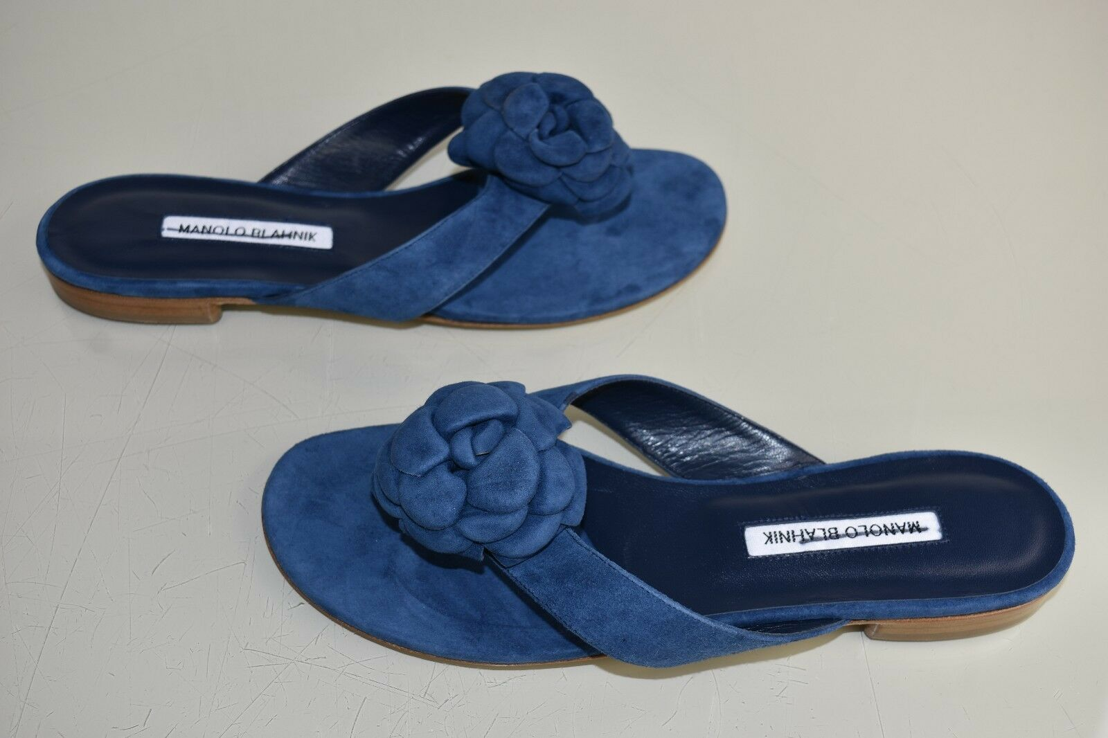 Neuf Manolo Blahnik Petala 3 D Camellia Bleu Sandales en Daim Glissière