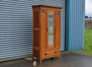 Vintage-Oak-Wardrobe-With-Drawer-Antique-Style