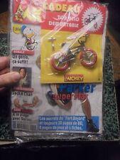 """Ancien """"Journal de Mickey"""" Neuf sous Blister son Cadeau Vélo Démontable 2003"""