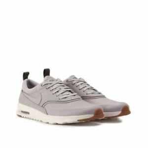 Détails sur Nike femme, Chaussures Athlétiques Couleur Gris wolf grey wolf grey sail Taille