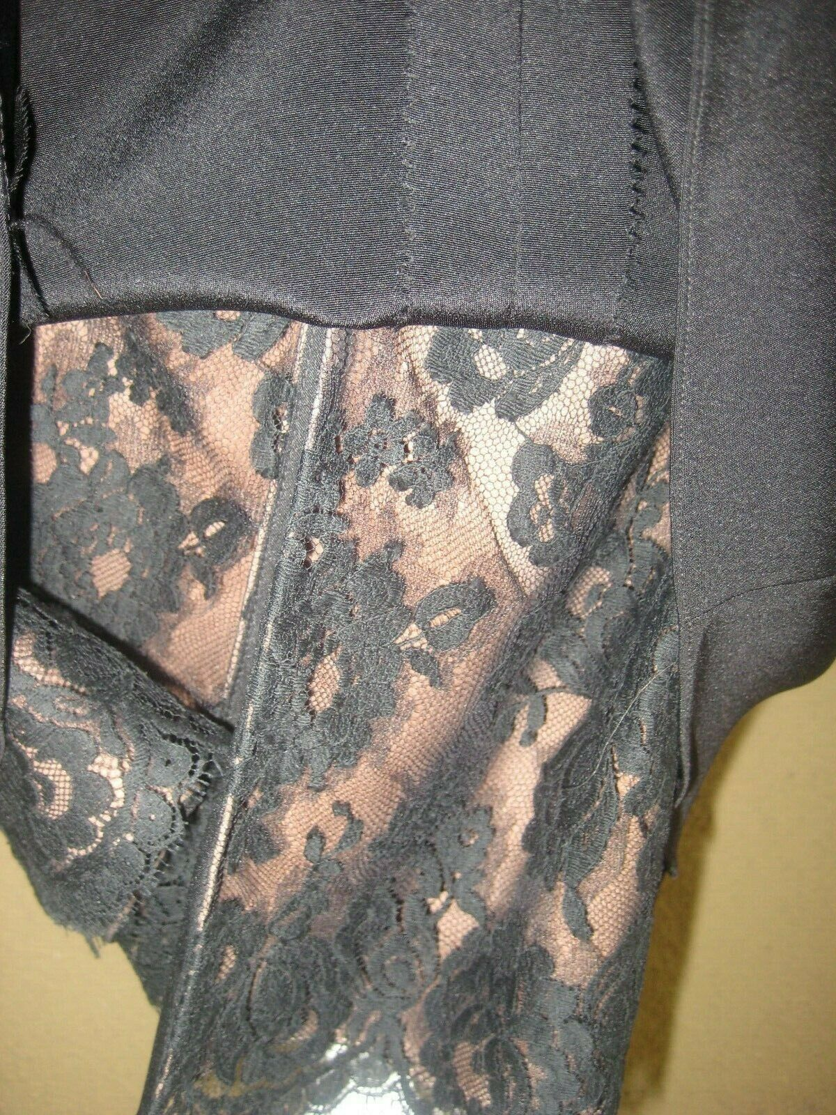 Vintage 1980's Travilla black drop waist LS lined… - image 11
