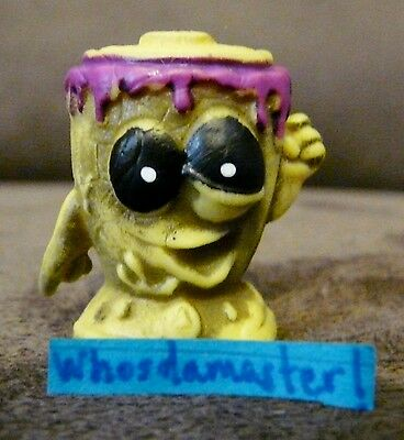 The Trash Pack Trashies Rotten Series Zombies GROT POT Red Mint OOP
