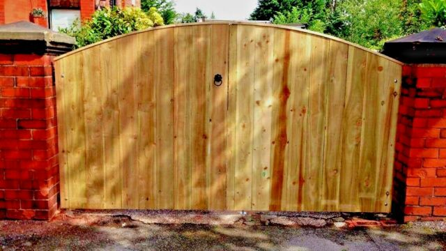 "5FT 6/"" HIGH 6FT WIDE 3FT EACH GATE WOODEN DRIVEWAY GATES HEAVY DUTY GATES"