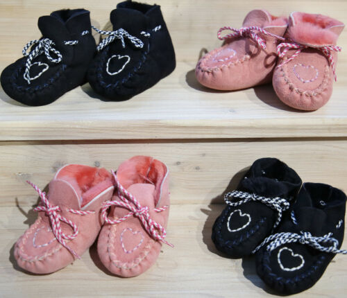 Baby Lammfellschuhe HERZCHEN Krabbelschuhe für Neugeborene Merino Fell