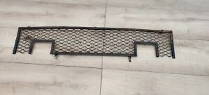 MGB GT 1800 RUBBER BUMPER MODEL - FRONT RADIATOR GRILLE GRILL