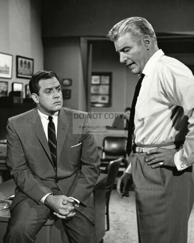 """OP-654 RAYMOND BURR AND WILLIAM HOPPER IN /""""PERRY MASON/"""" 8X10 PUBLICITY PHOTO"""
