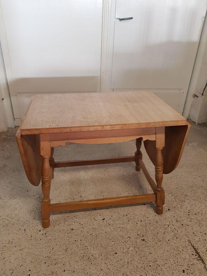 Klapbord, egetræ, b: 50 l: 70 h: 59