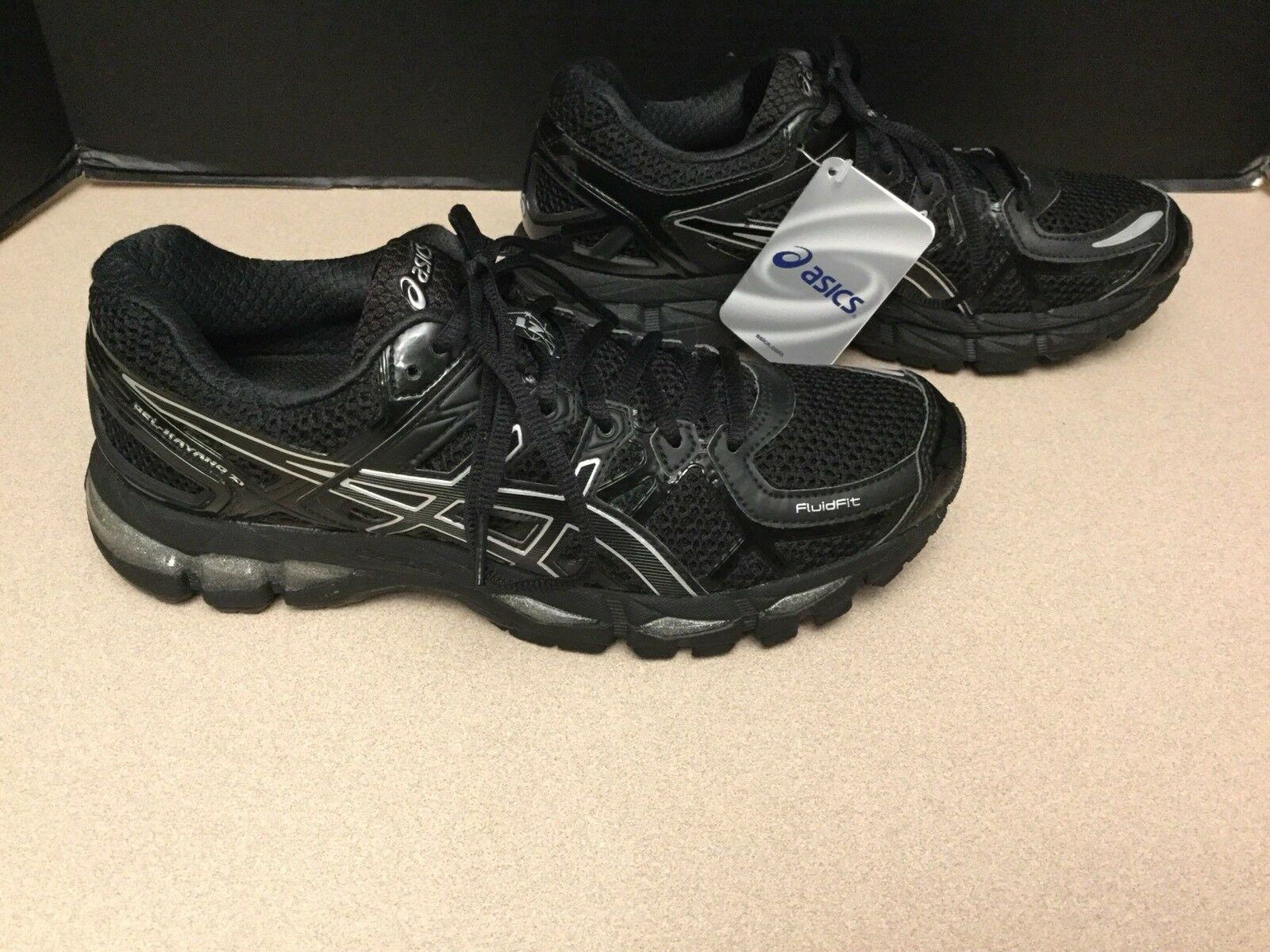NEW WOMENS ASICS GEL-KAYANO 21 BLACK RUNNING SHOES. SIZE 9.5. NICE SHOES