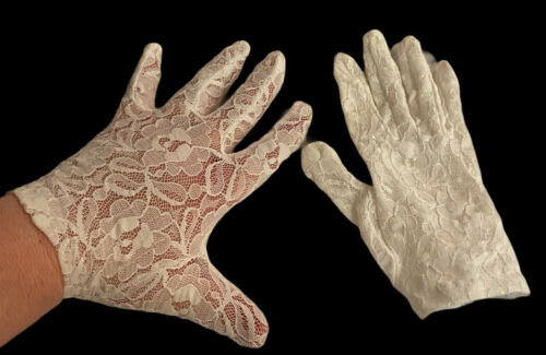 Vintage Retro 1980's Lace Gloves - Wedding Party P